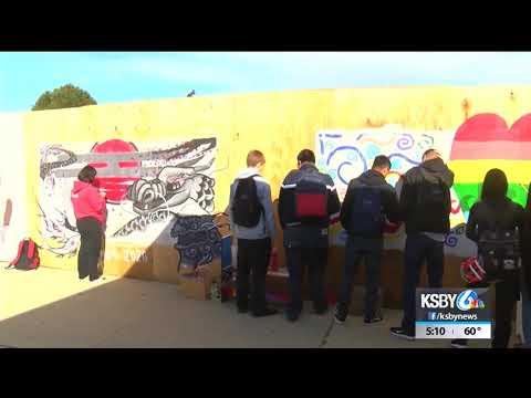 Santa Maria High School students transform eye sore into art piece