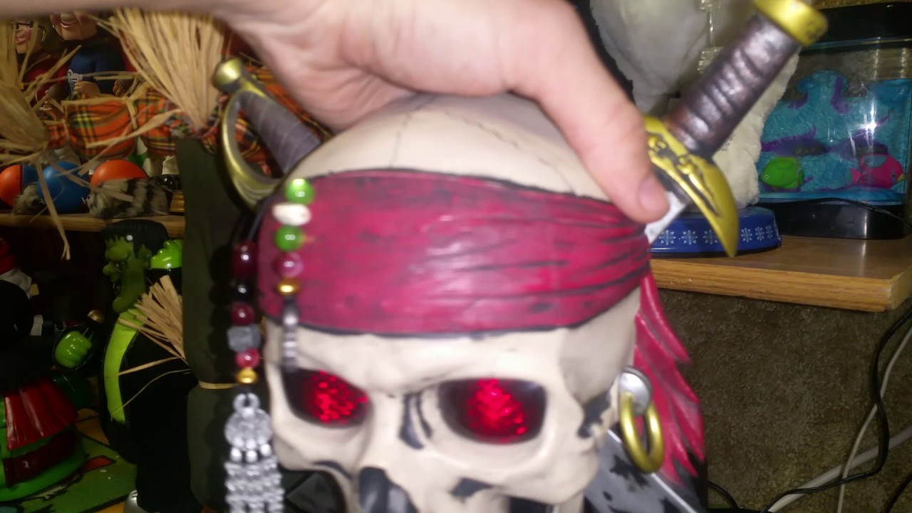 halloween animated pirates of the caribbean talking skull headplaque - Talking Skull Halloween