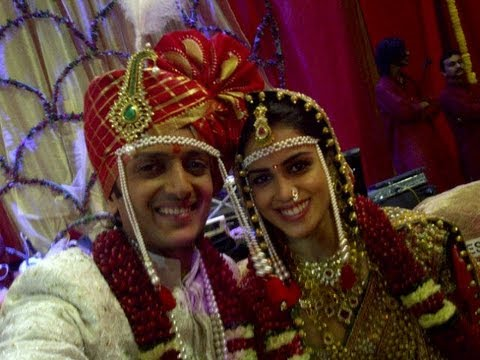 Riteish Deshmukh And Genelia D'Souza Wedding Red Carpet ...