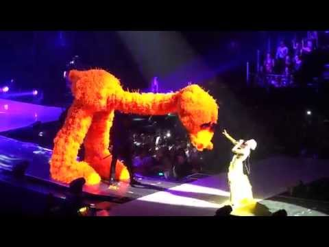 FULL Concert/ Concert ENTIER - Miley Cyrus - Montpellier - 23 Mai 2014 - video FULL HD