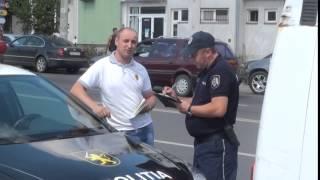 """Angajata poliției patrulare către jurnalist: """"Dumneata ce, n-ai ce face?"""""""