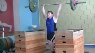 Бикмулин Илья, 11 лет, вк 77 Толчок с плинтов 50 кг на 2 раза