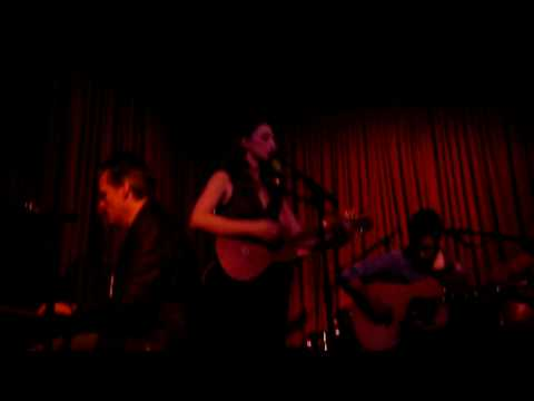 Sara Bareilles at Hotel Cafe, LA 1/5/09