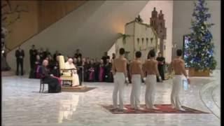 """Bizarre """"Unterhaltungsshow"""" im Vatikan - Groteskes Schauspiel"""