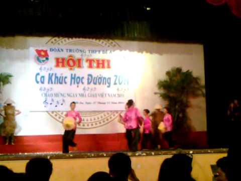 Buc hoa dong que- Thpt Di An ( Ca khuc hoc duong 2011)