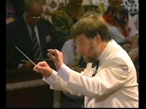 Brahms-Sargent 'Academic Festival Overture' - Andrew Davis conducts