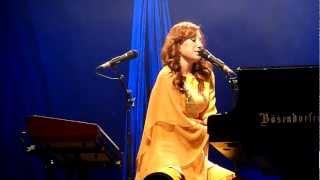 Tori Amos & Apollon Musagete Quartett - Shattering Sea (Milan, Italy October 7, 2011)