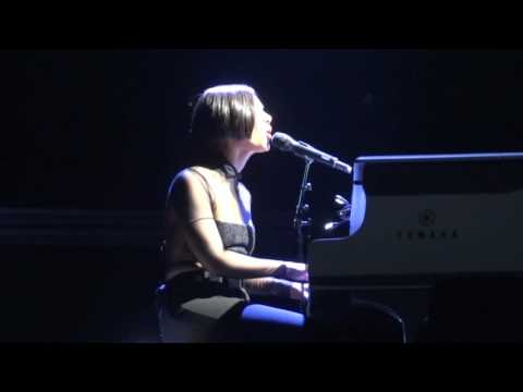 Alicia Keys - Brand new kind of me Live Las Vegas