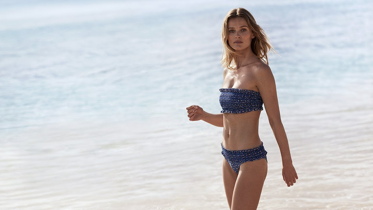 1a4e37be348 Tory Burch Pre-Fall 2018: Costa Bikini – Video