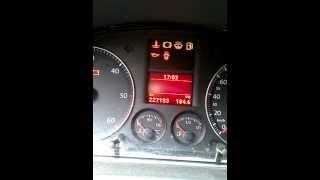 Service Anzeiger bei einen VW Touran (04) zurückstellen