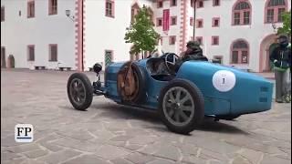 Oldtimer machen Station auf Schloss Augustusburg