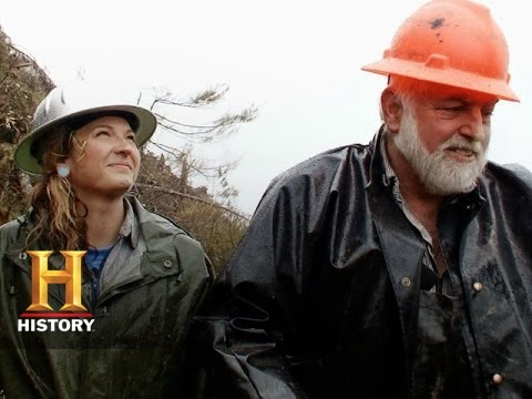 Ax Men: Mike Papac Teaches By Example  History