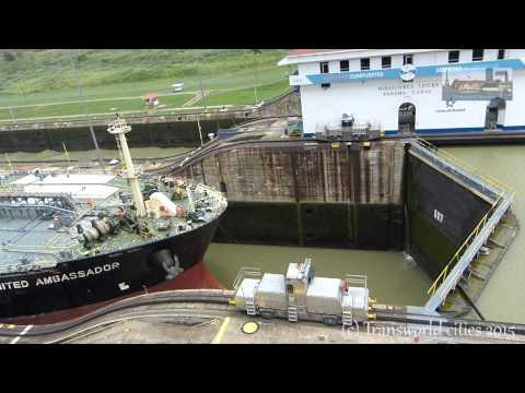Miraflores locks visitor center / Canal de Panamá
