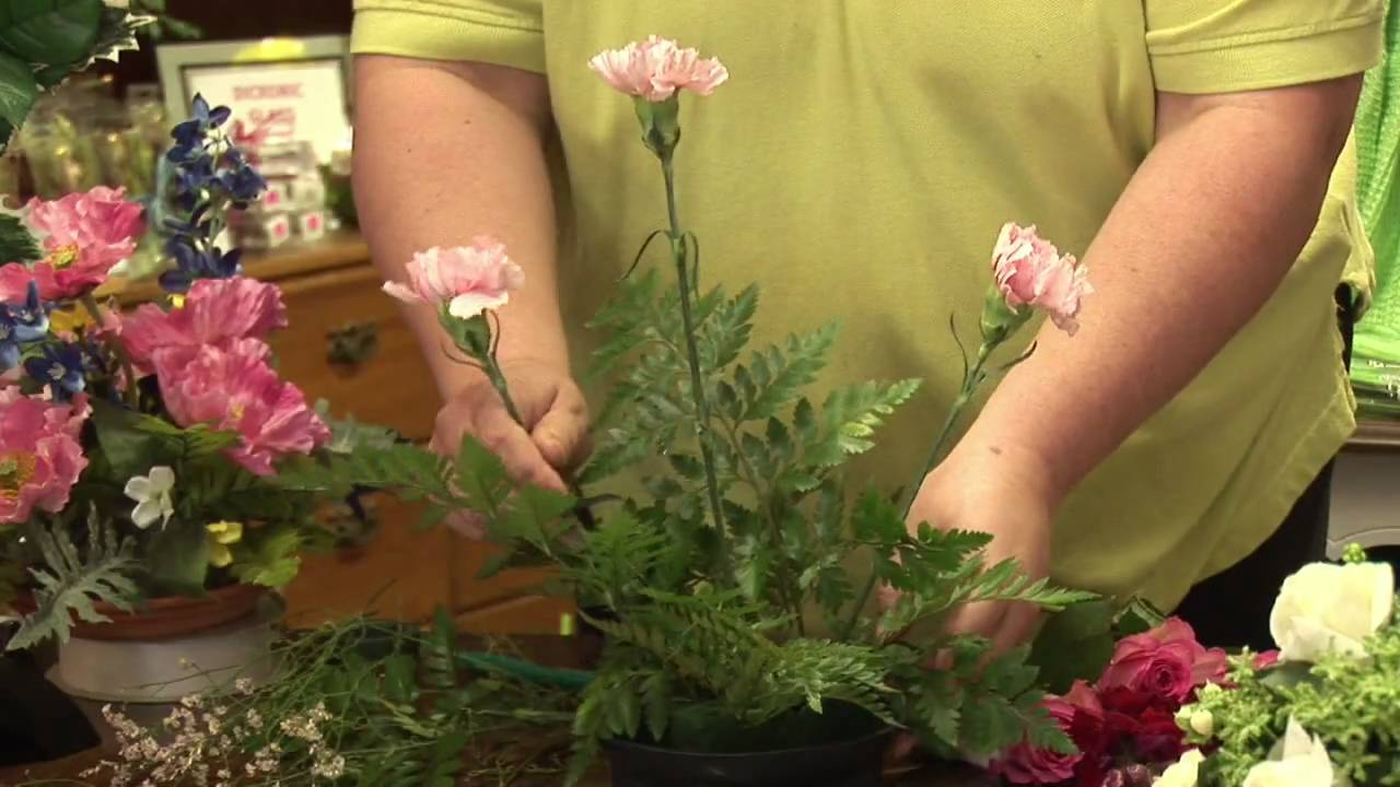 floral arrangements how to make a round floral