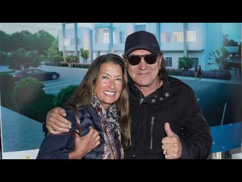 SHROOM - AC/DC's Brian Johnson Donates Sarasota Property To Children's Foundation