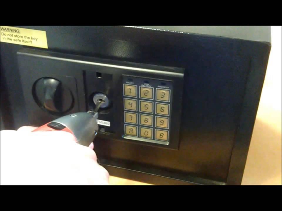 Relativ Tresor Öffnung Schloss Manipulation www.sperrauf.de Schlüssel SY68