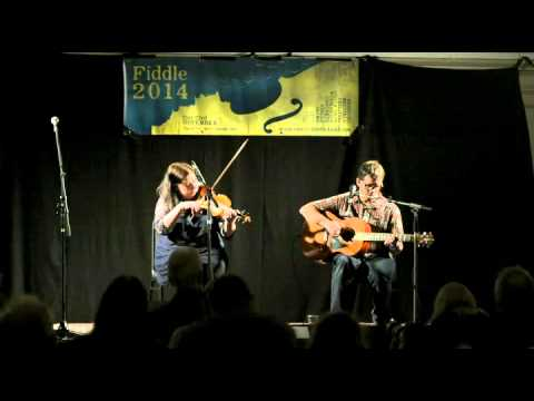 Eilidh Steel & Mark Neal playing In Your Eyes