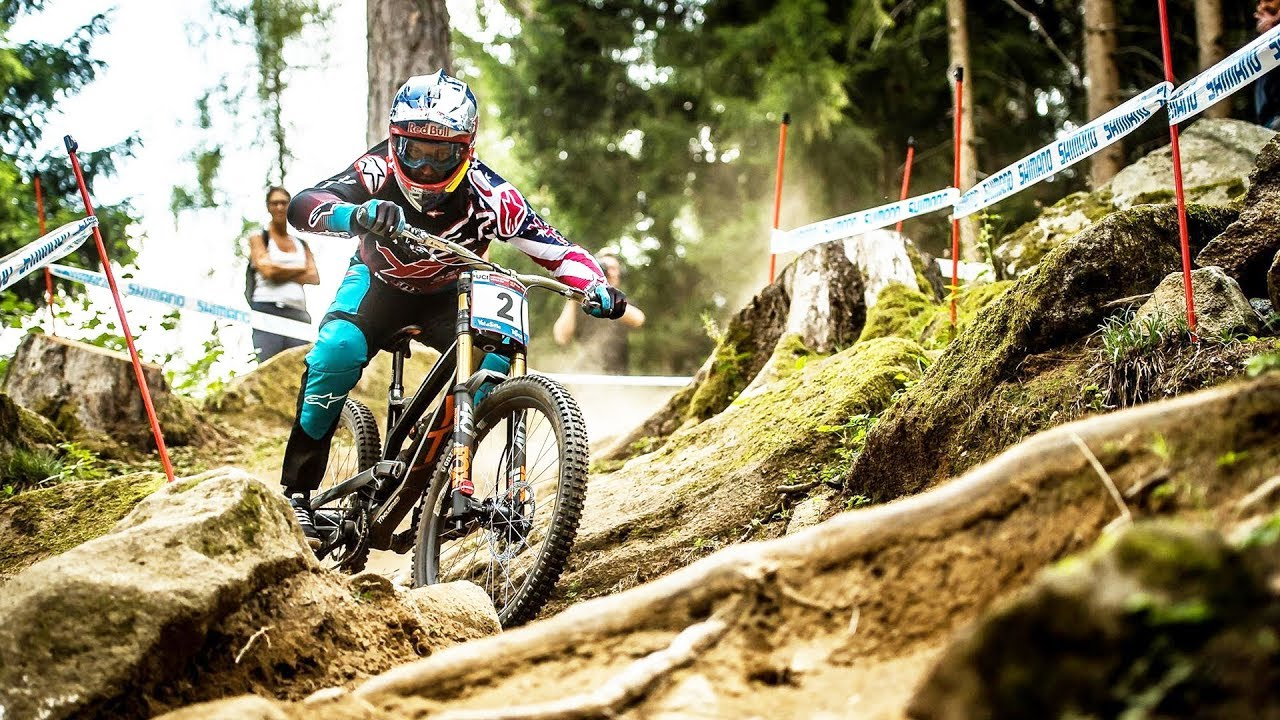 The Wildest Downhill Mtb Moments Of 2017 Uci Mtb World