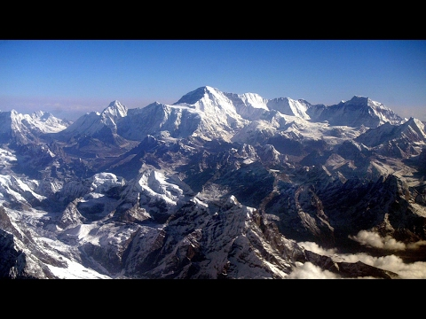 Mount Everest climbers may cause 'traffic jam'