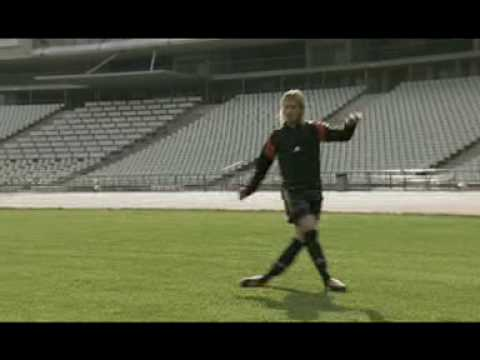 Anormal enfermedad Pacífico  Adidas Predator Commercial - Zidane, Beckham, Raul - YouTube