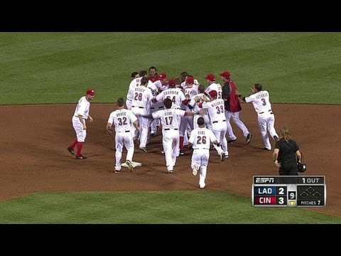 Hanigan wins it with a walk-off double