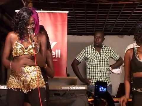 Mary Boyoi live performance at De Havana Juba