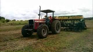 MF 292 4x4 - Plantando Milho
