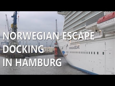 Norwegian Escape in Hamburg Docking Blohm+Voss ELBE17 dry dock