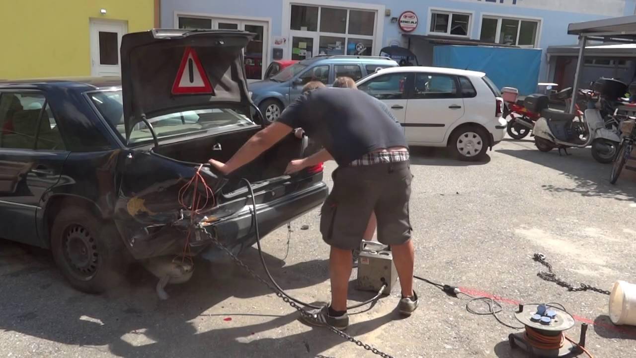 Ausziehen des Mercedes oder wozu eine Säule für alles gut ist - YouTube