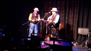 Mike Compton and Joe Newberry perform The Bluegrass Special