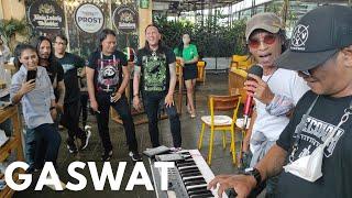 Download Toto Tewel Nyanyi Pak Tua ( GOKS Keyboardistnya Legend ) Ovy Riff Roy Jeconiah Argon