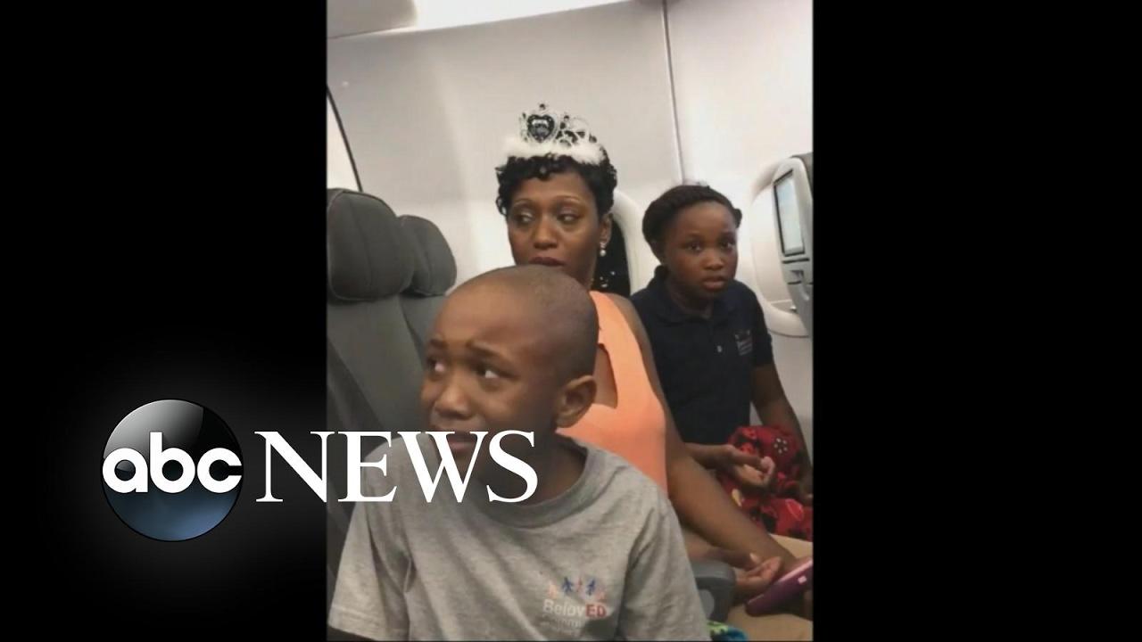 Family Kicked Off Jet Blue Flight Over Birthday Cake
