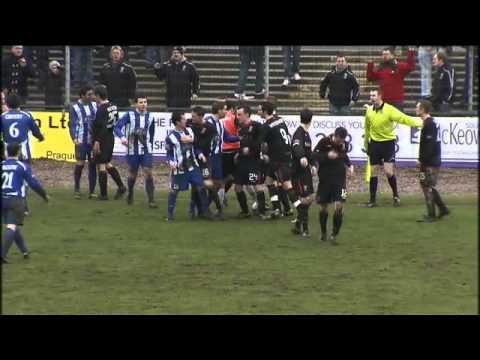 Newry City 3 - 4 Glentoran 12/3/11 (Carling Premiership)