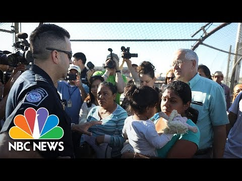 Asylum Seekers Face Standoff At Border Between Ciudad Juarez And El Paso: 'At Capacity' | NBC News
