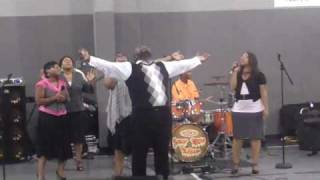 Min. Cedric king & The King Sisters / I Thank You