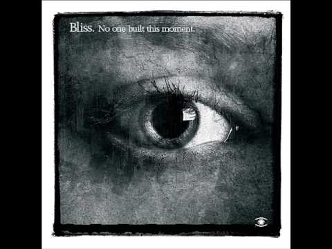 Клип Bliss - Calling (feat. Sophie Barker)