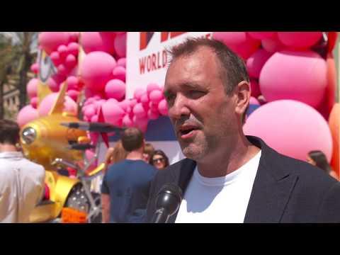 Despicable Me 3 World Premiere Los Angeles Interview Trey Parker ( official video)