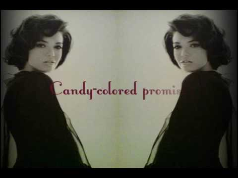 Клип Mandy Moore - Merrimack River
