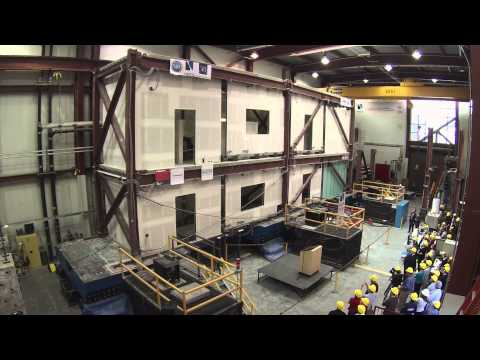 University of Nevada, Reno simulates earthquake on 2-story building in lab