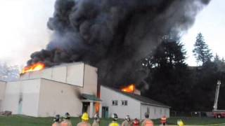 Gambar cover Old Waldport High School Controlled Burn