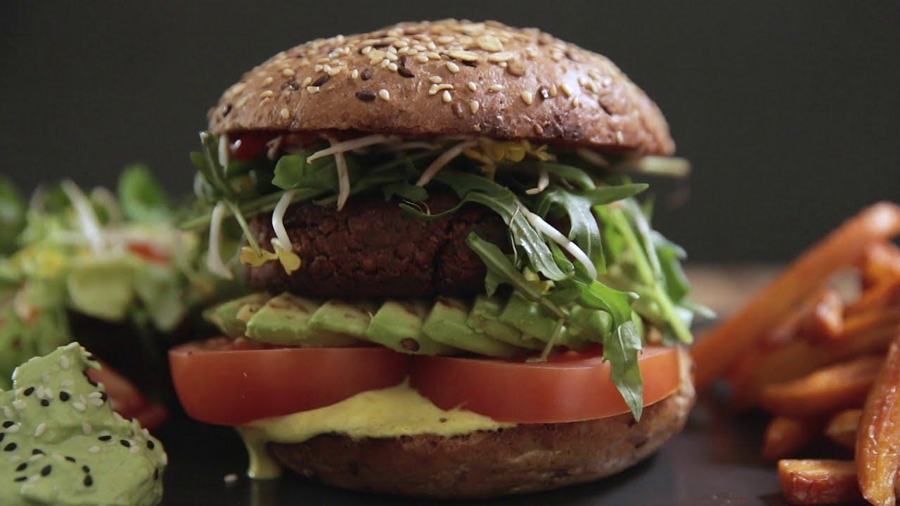 Food Video für das INNERLUCK Restaurant. Veganer Burger. Food Videografie.