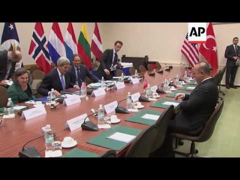 Kerry meets other NATO foreign ministers