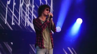 Julian Perretta - On the line (Live NRJ Music Tour Roubaix)