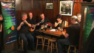 Dervish - Traditional Irish Music from LiveTrad.com