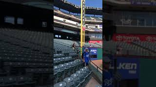 Royals closer Kelvin Herrera tossing up a commemorative baseball 5/24/18
