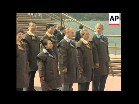 WRAP Arrivals,Bush with Asian leaders, ADDS Howard global warming statement