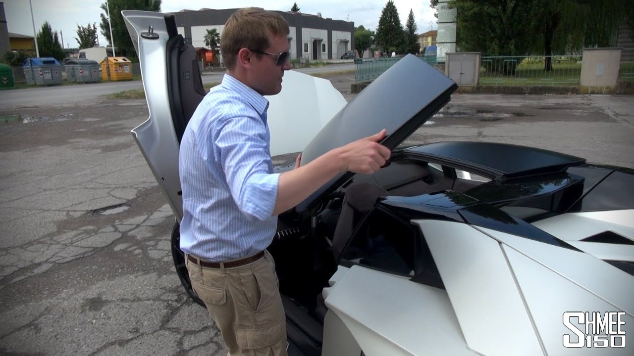 How To Remove The Roof Of A Lamborghini Aventador Roadster Youtube