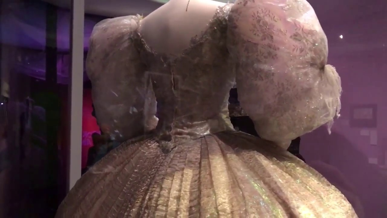 Sarah and Jareth, ballroom gown and ensemble from Labyrinth - YouTube