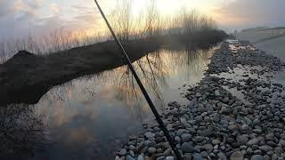 Рыбалка юг России прогулка вокруг водохранилища Как я щучек в луже ловил