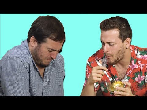 Küçük Çeken Yer! - Şekerli Beyin, Nutellalı Çiğ Yumurta, Balık Soslu Simit